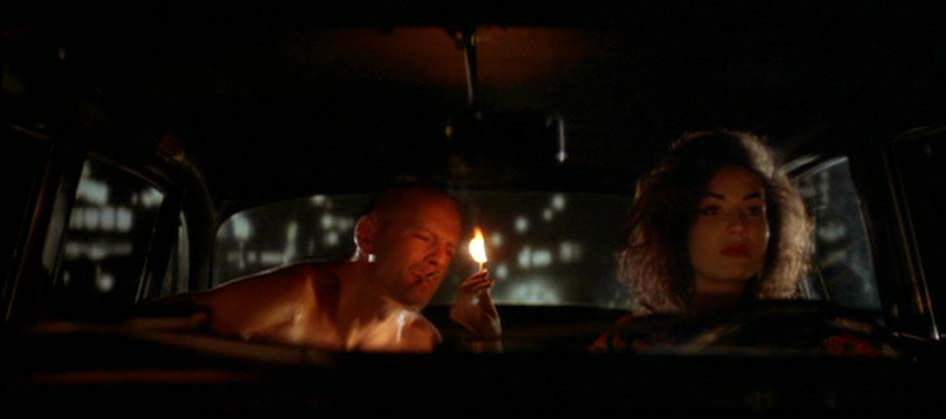 Movie Scene: Pulp Fiction - Esmeralda and Butch in the Taxi